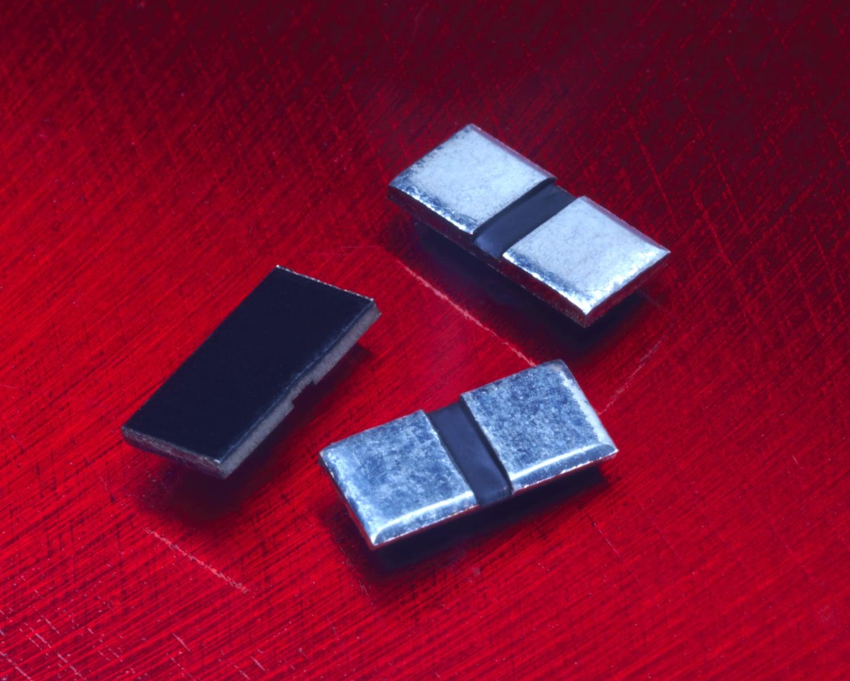 Demand for metal plate micro-resistors rising