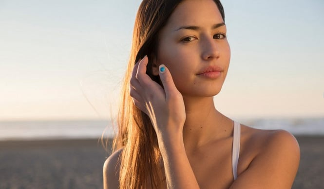 L'Oreal's Ingenious Nail Art Battery-less Sensor Detects Harmful UV Rays