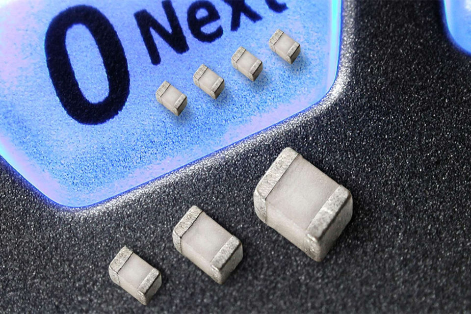 The 'relativity' of High Q capacitors