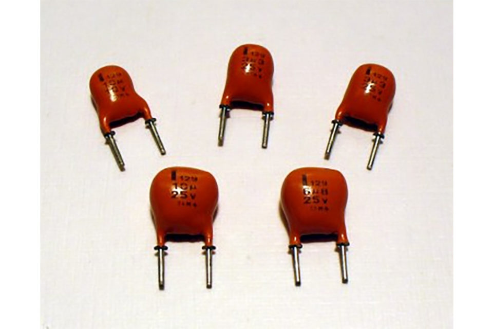 Capacitors – Solid Aluminum Electrolytics with Manganese